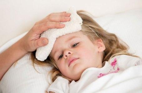 Bệnh vặt mùa nóng và cách phòng bệnh cho bé